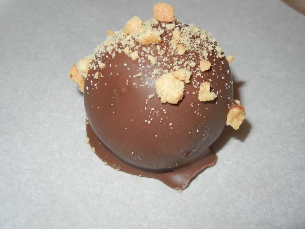 Cake Balls Chocolate Cracking