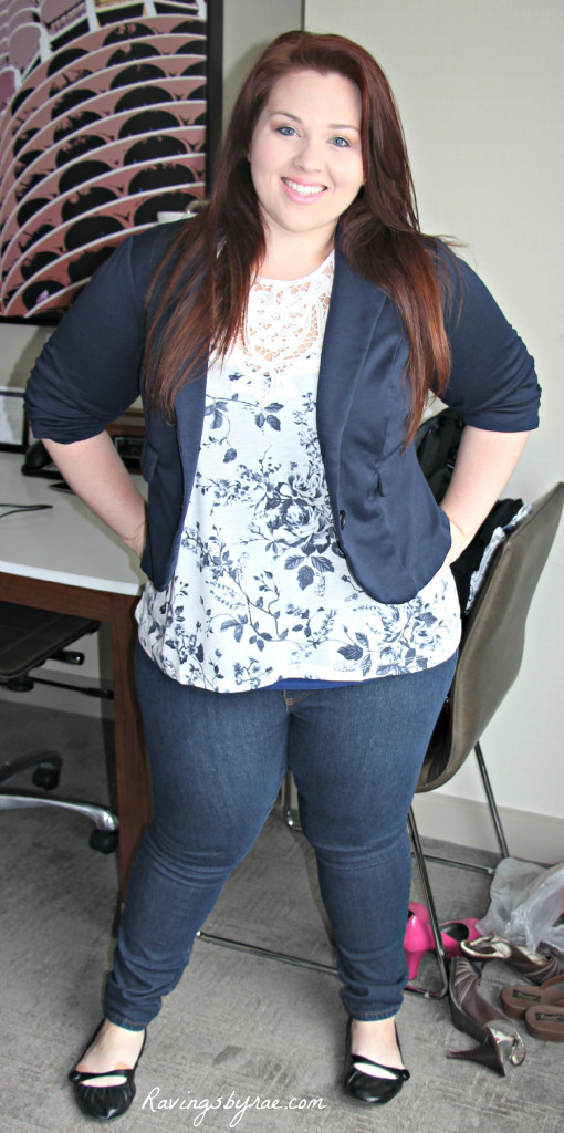 Plus Size OOTD Navy Blazer and Jeans 3