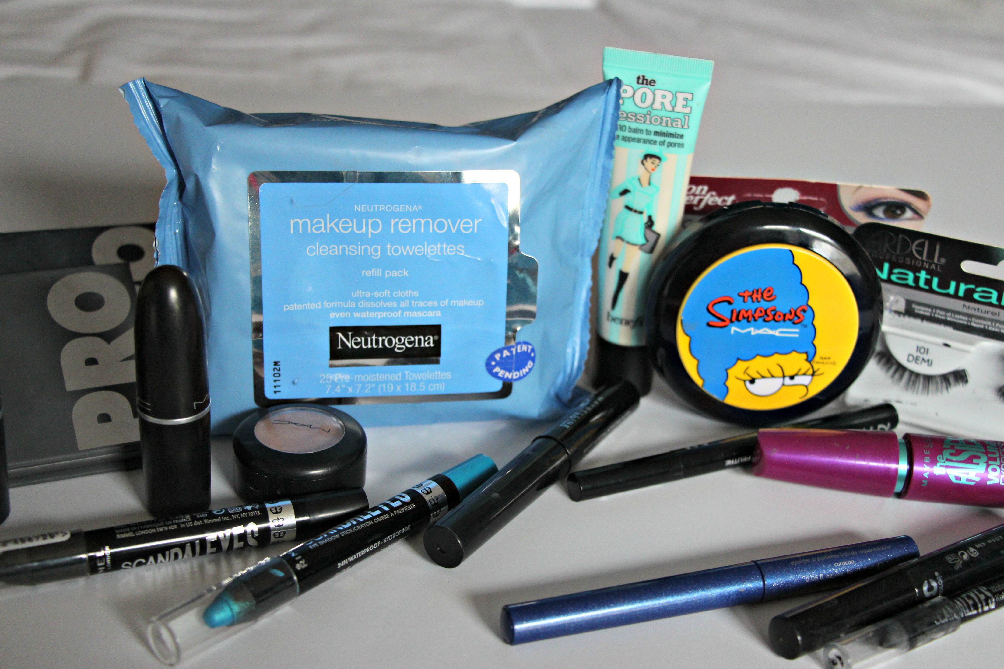 Halloween-Makeup-Tutorials-with-Neutrogena-Witch-Mermaid #NeutrogenaFaceOff #ad